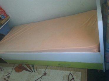 Кровать почти новая, матрац чистый. в Бишкек