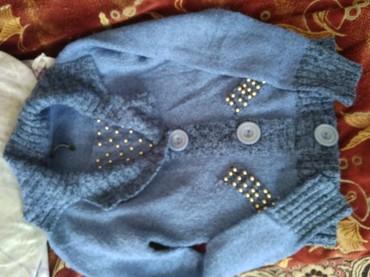 розовый свитерок в Кыргызстан: Свитерок ни разу не стиранный, подойдёт до 54 размера, купили
