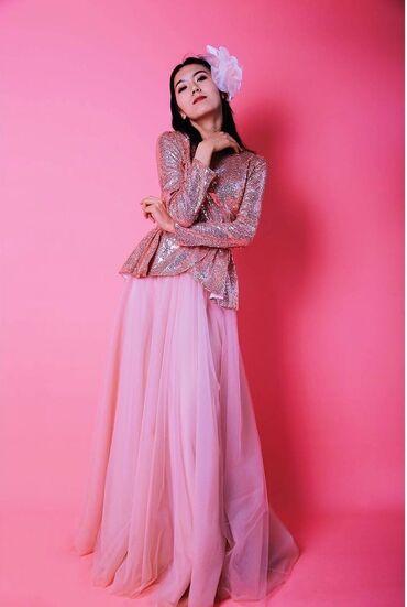 Личные вещи - Александровка: Блузка с баской из паеток и юбка из 10 метров сатина костюм новый из