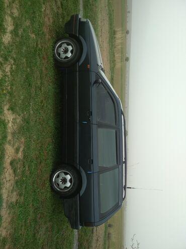 Транспорт - Тогуз Булак: Volkswagen Passat CC 1.8 л. 1993