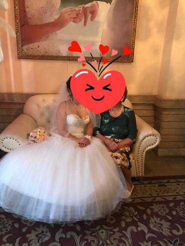летнее платье трапеция в Кыргызстан: Продаю свадебное платье размер 44  Есть кольцо под платье и пачка