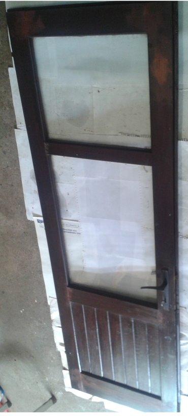 Prodajem drvena vrata sa slike, dimenzije 205 cm x 65 cm,sa okovima - Nova Pazova