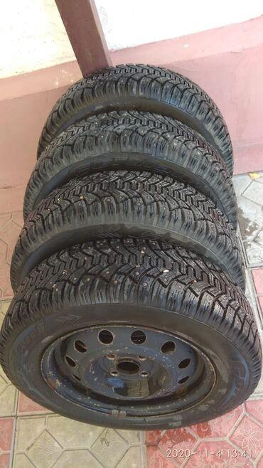 monoblock диски в Кыргызстан: Продаю зимние шипованные шины с дисками cordiant 175/70/14 цена 13000