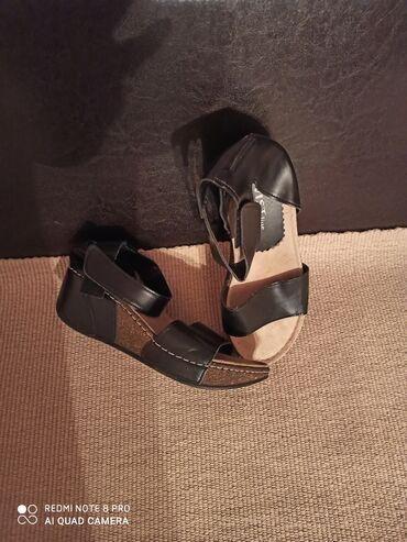 Sandale očuvane br.38