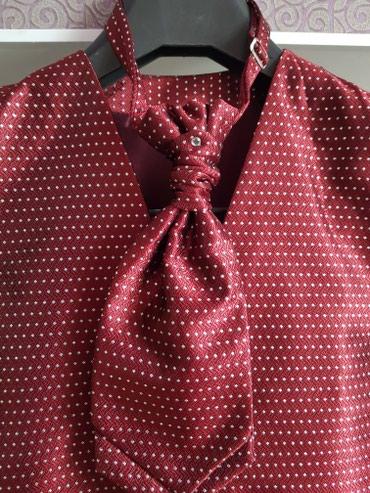 мужская футболка с якорем в Кыргызстан: Продаю жилет с галстуком. Ношен 1 раз на 2 часа