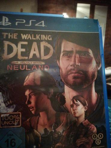 Na prodaju ps4 igrica the walking dead samo jednom igrana igra kao nov