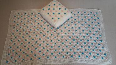 Κουβερτάκι βρεφικό πλεγμένο με βελονάκι + μαξιλαράκι