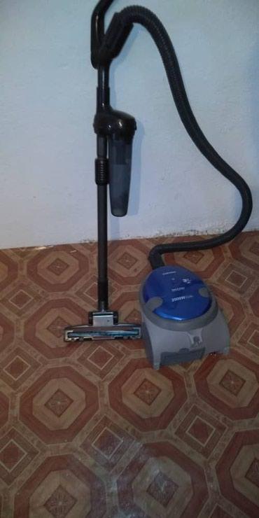 Б/у пылесос срочно за 3000 в Балыкчи