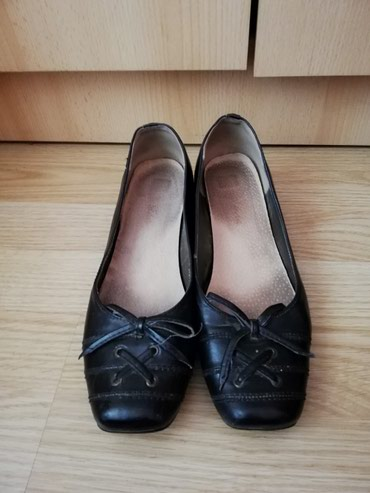 Koze crne cipela-baletanke sa malom stiklom Veoma udobne 38 broj - Lajkovac