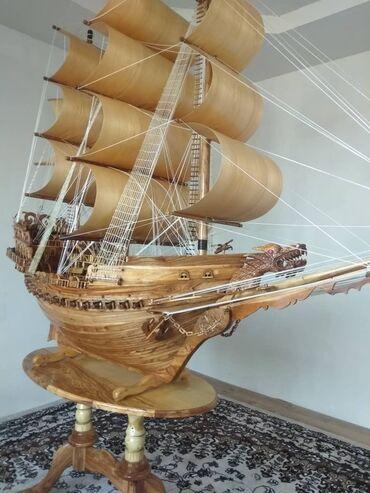 Корабль из дерева  Ручная сборка  Орех/дуб Более 1000 деталей  На стол