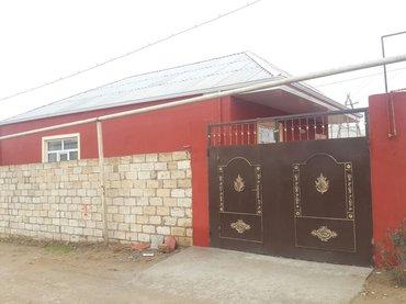 Bakı şəhərində Bineqedi qesebesi dayanacaga markete mektebe yaxin 1. 7 sotda 90kv ev