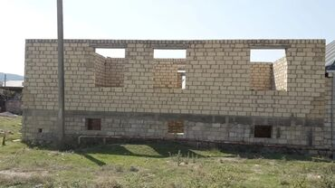 aro 10 1 6 mt - Azərbaycan: Göygöldə bayraq meydanı terefde 6 sot torpaqın üstündə yarım tikili ev