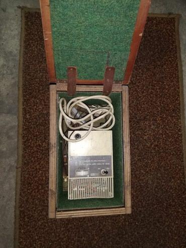 Punjač akomulatora, ispravan, nije kineski, kupljen u inostranstvu. - Belgrade