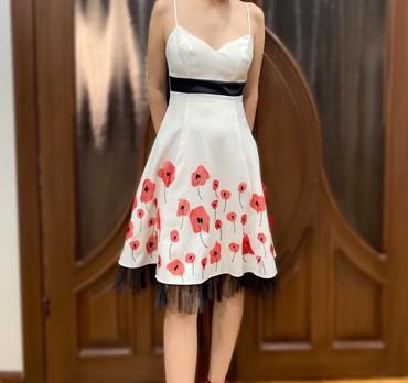 вечерние платья серого цвета в Кыргызстан: Продаем Атласное красивое платье. Размер S. Надевала всего 1 раз