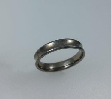 Кольцо из титана. Размер 21.5. Цена 3500 Сом в Бишкек