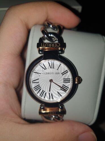 büküklü qadın papaqları - Azərbaycan: Cerutti 1881 original saat. Sənədləri də üzərindədir.Qadınlar üçün