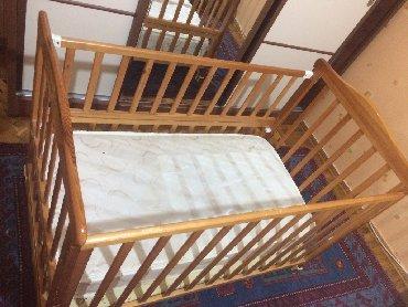 утепленная детская куртка в Азербайджан: Брендовая детская кроватка (кочалка) в хорошем состоянии