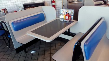 Куплю кресло столы для кафе в Бишкек