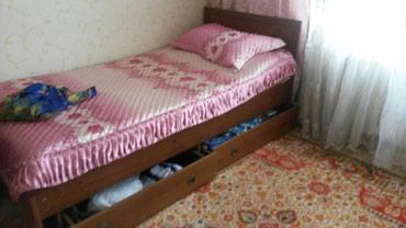 Кровать с выдвижными ящиками. покрывало в подарок. цена 14 тыс. в Бишкек