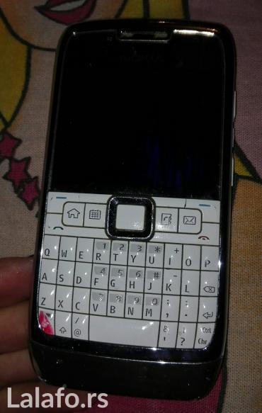 Nokia e71 - Srbija: Nokia e71bela odlican metalan tel u odlicnom stanju displej jedino tre