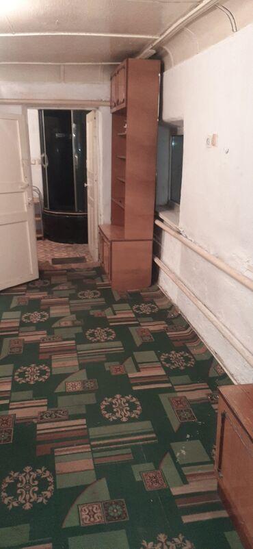стулья для зала бишкек в Кыргызстан: 80 кв. м, 3 комнаты, Забор, огорожен