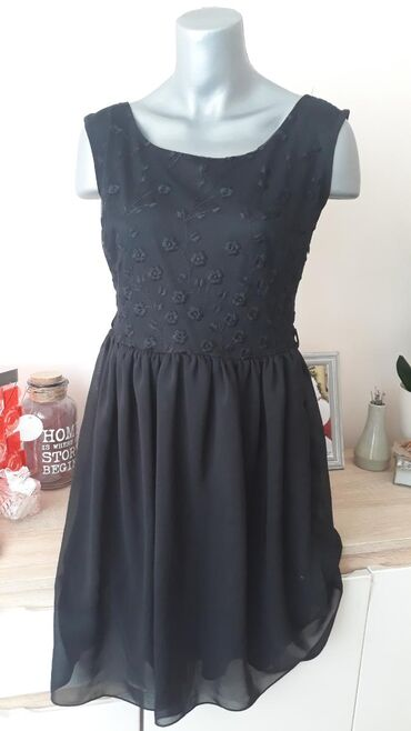 Mala,crna haljina MUST HAVE vel.38/40Turska