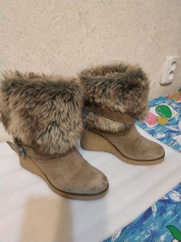 сапоги на платформе в Кыргызстан: Продаю красивые женские сапоги, Англия, б/у, 38-39 размер. Натуральная