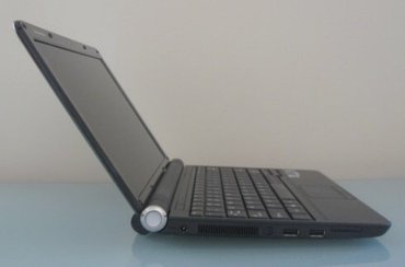 Bakı şəhərində Lenovo (ibm)işlemci növü: intel atom işlemci hızı: 1,66 ghz