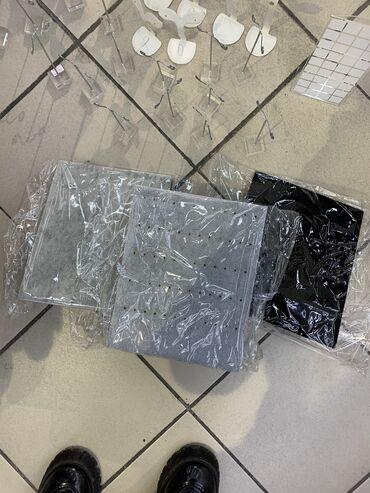 графический планшет бишкек in Кыргызстан | ПЛАНШЕТЫ: Продаю подставки планшеты для серёг и для подвесок в идеальном состоя