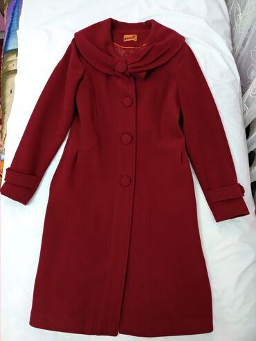 Пальто Турция, кашемир. Бордовый цвет. В отличном состоянии. Размер