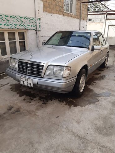 Mercedes-Benz 320 3.2 l. 1993 | 300 km