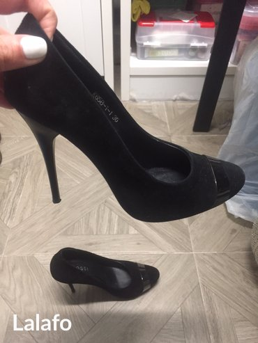 туфли одели один раз в Кыргызстан: Продам туфли кожаные, натуральная замша. Одела один раз, не подошло по