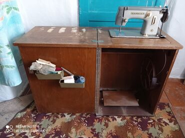 64 объявлений   ЭЛЕКТРОНИКА: Продается швейная машинка в хорошем состоянии, цена 5000сом