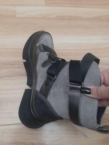 продажа номеров in Кыргызстан | ПРОДАВЦЫ-КОНСУЛЬТАНТЫ: Продаю новую обувь 35 размер можна на 36 мех натуралка все вопрос