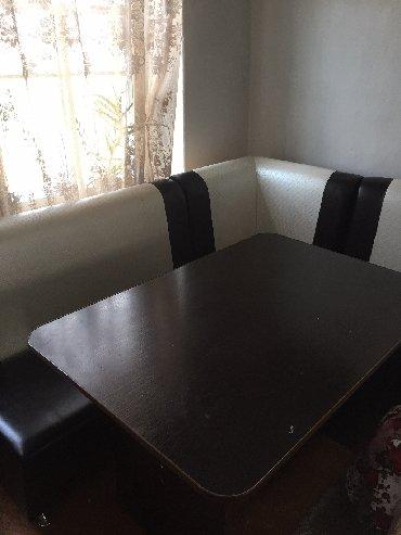 стол на кухню раскладной в Кыргызстан: Продаём кухонный уголок, кож зам. Стол и три стула. В отличном