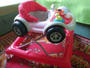 Детская мебель - Цвет: Красный - Бишкек: Фирменные ходунки Bravo. В идеальном состоянии. Устойчивые, 8 колес