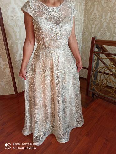 вечерние платья для полных дам в Кыргызстан: Продается очень красивое платье (фото не передаёт всей красоты)