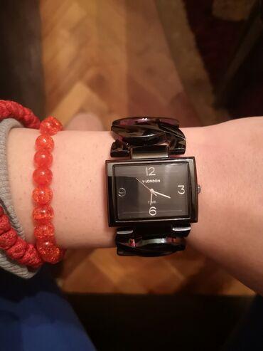 Ručni sat Y-London crne boje. Nov, nenošen, unikatan sat dobijen na