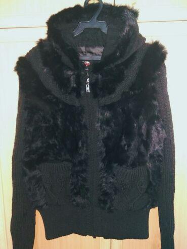Теплая кофта мех-кролик,рукава и капюшон-вязка в отличном состоянии