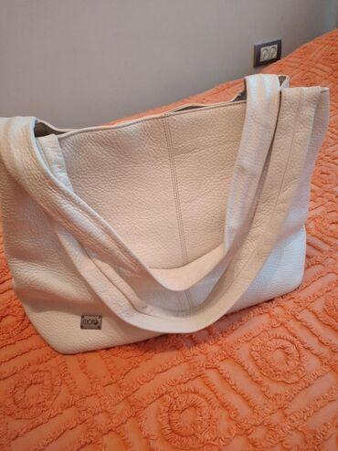 Velika,kozna,bela MONA torba,nekoliko puta nosena