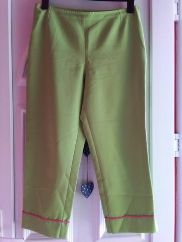 Pantalone prelepe za prolece,sivane I malo nosene,zelena prelepa - Sombor