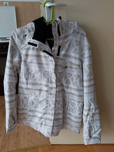 Pantalonice sport vision - Srbija: Na prodaju zimska zenska jakna. Nepromociva. Velicina jakne 40. Za