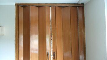 Vrata - Srbija: Harmonika vrata u super stanju.Dimenzije rama su: visina 260cm,širina