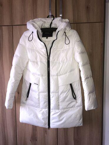 Продаю куртку. Размер 46-48. Один раз надевала. Отличное качество