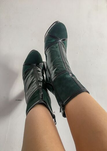 Продаю!!!  Ботинки кожаные на каблуке! Итальянские!!!  Размер 36 Одева