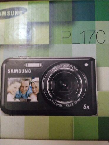 "Fotoaparat ""Samsung""selfide çəkmək olur.Orginaldir az işlənib video"
