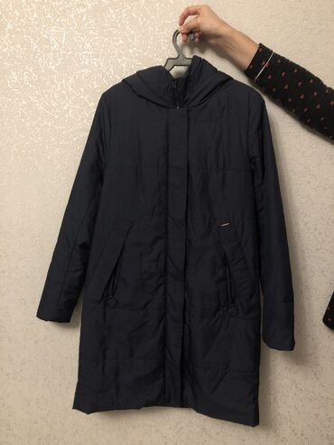 Плащи - Кыргызстан: Новая куртка-плащ, размер m (44)