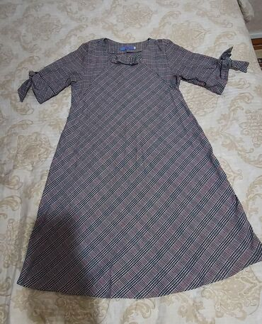1100с. Платье для беременных и кормящих с замками на груди для