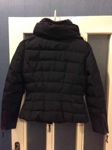 Bakı şəhərində черная дутая куртка, Zara. одевала не полный сезон. состояние новой ве
