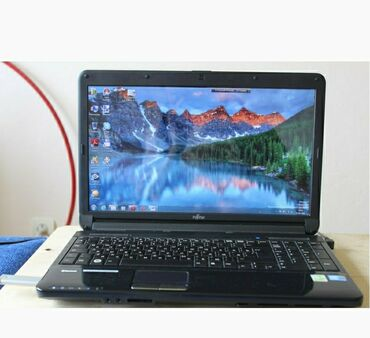 Fujitsu - Кыргызстан: Ноутбук мощный 4 ядерный Core i3, работает идеально, без трещин